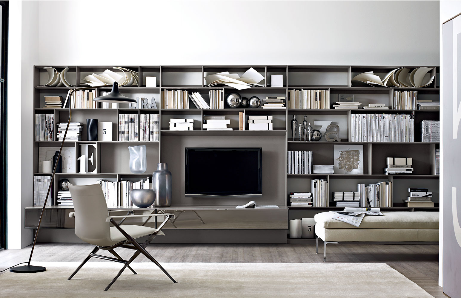 B b italia flat c storage system buy from campbell watson uk for Parete attrezzata design moderno