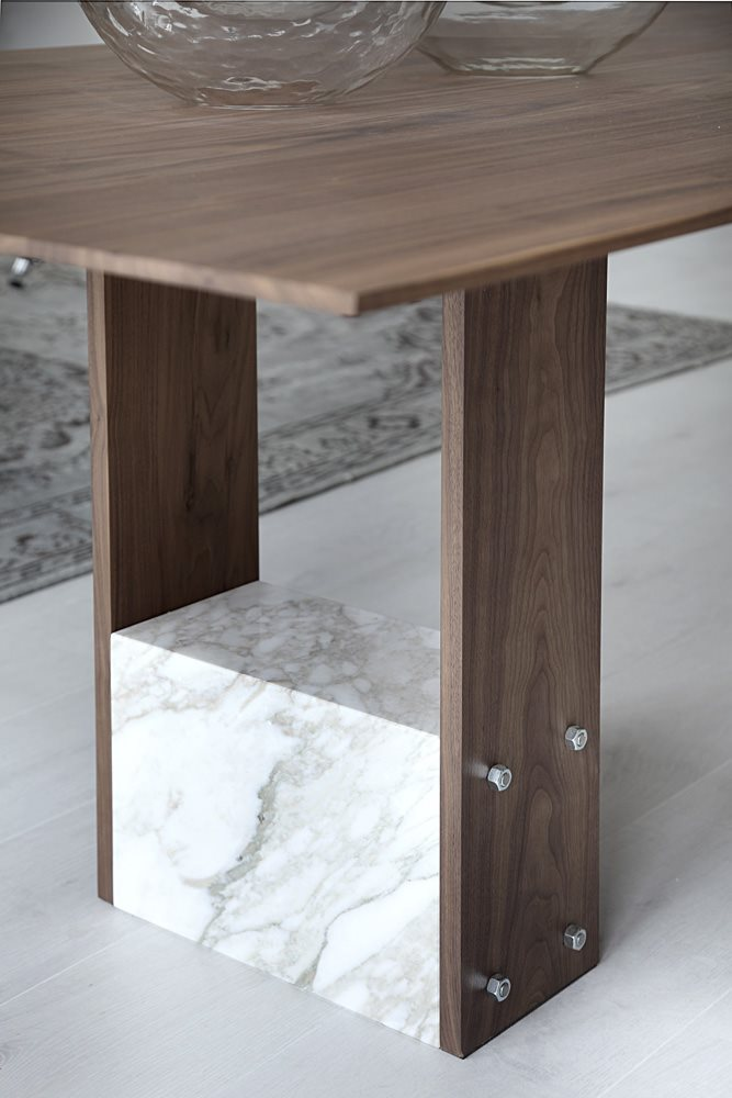 Porada Shani Table