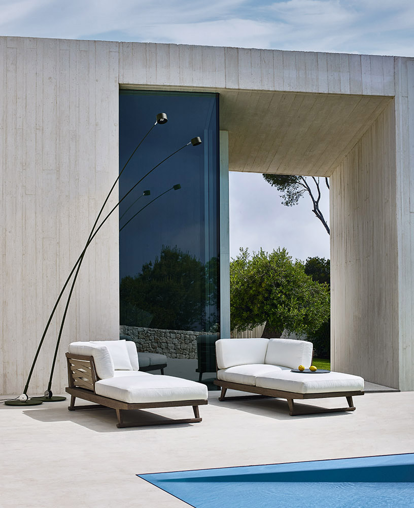 B b italia outdoor gio chaise longue buy from campbell watson uk for Buy chaise longue