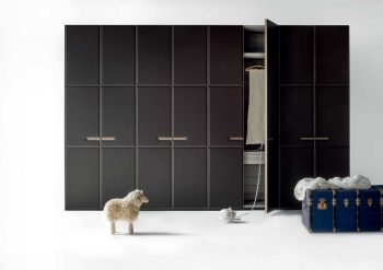 Warm Hinged Door Wardrobe