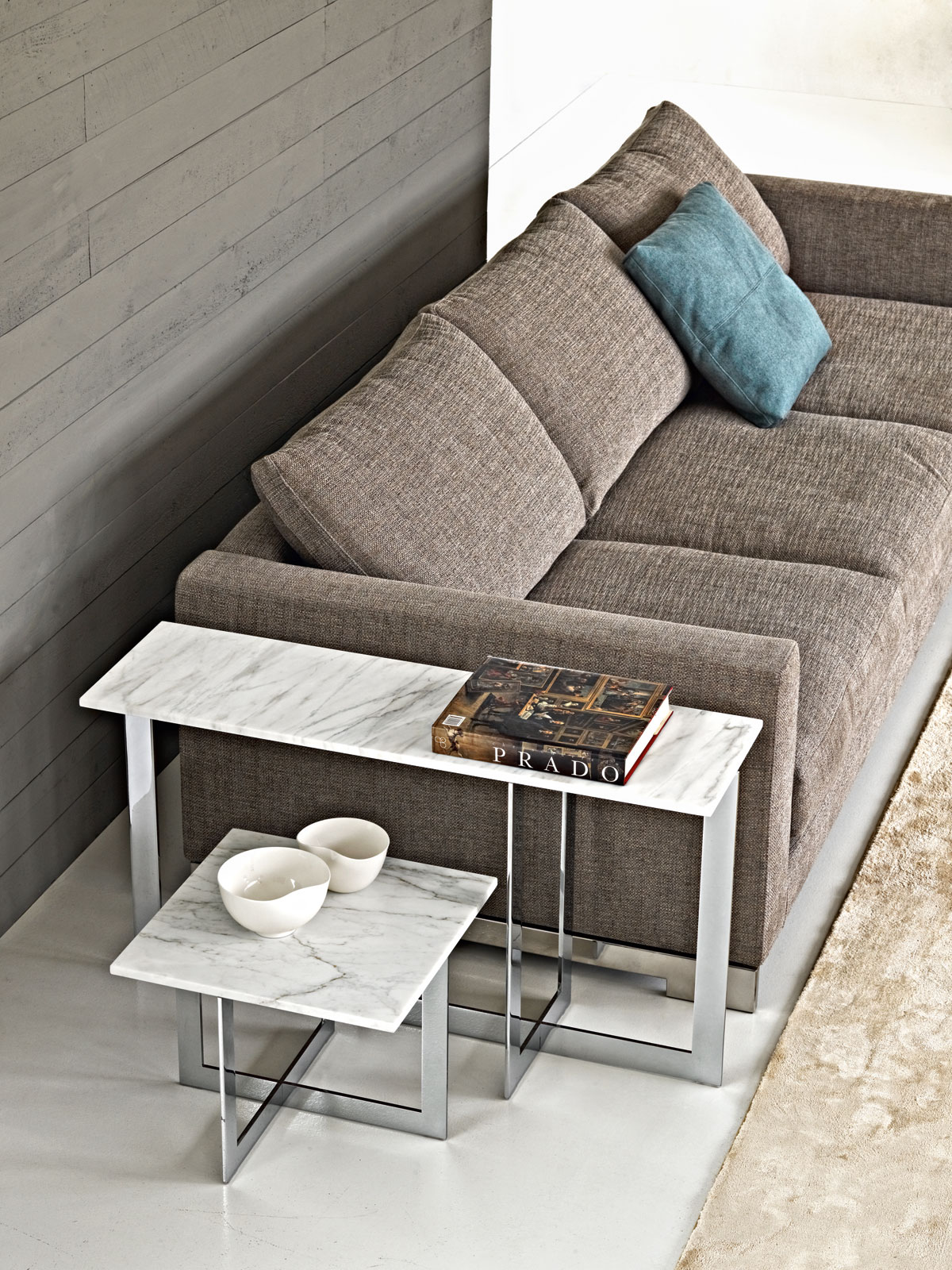 Molteni Domino Side Table