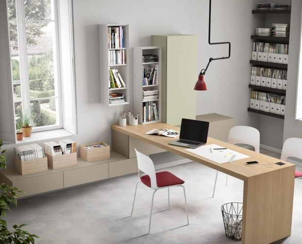 Domino Desk
