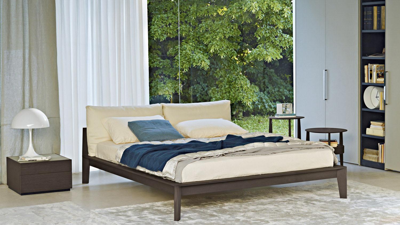 Molteni c wish bed for Molteni furniture