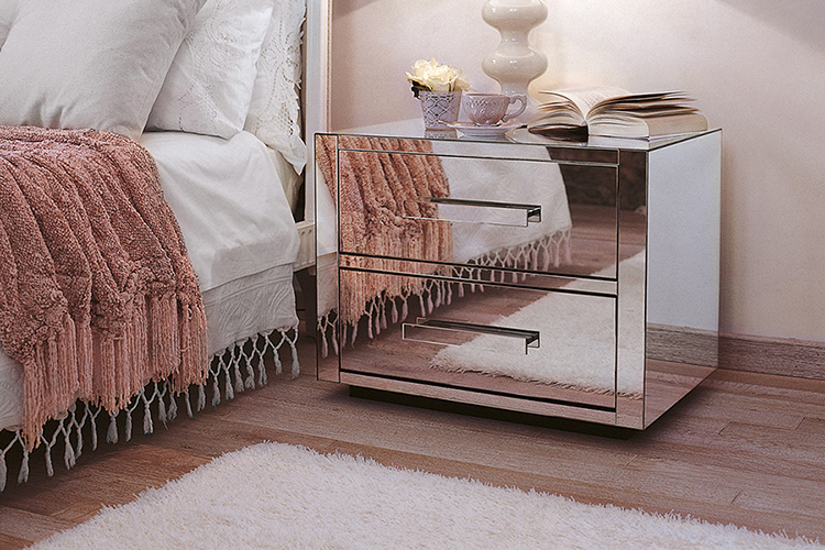 Porada Queen Chest Of Drawers
