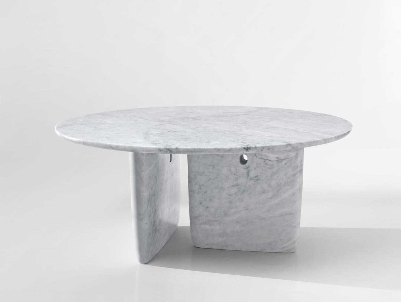 B b italia tobi ishi table buy from campbell watson uk for Objetos hechos con marmol