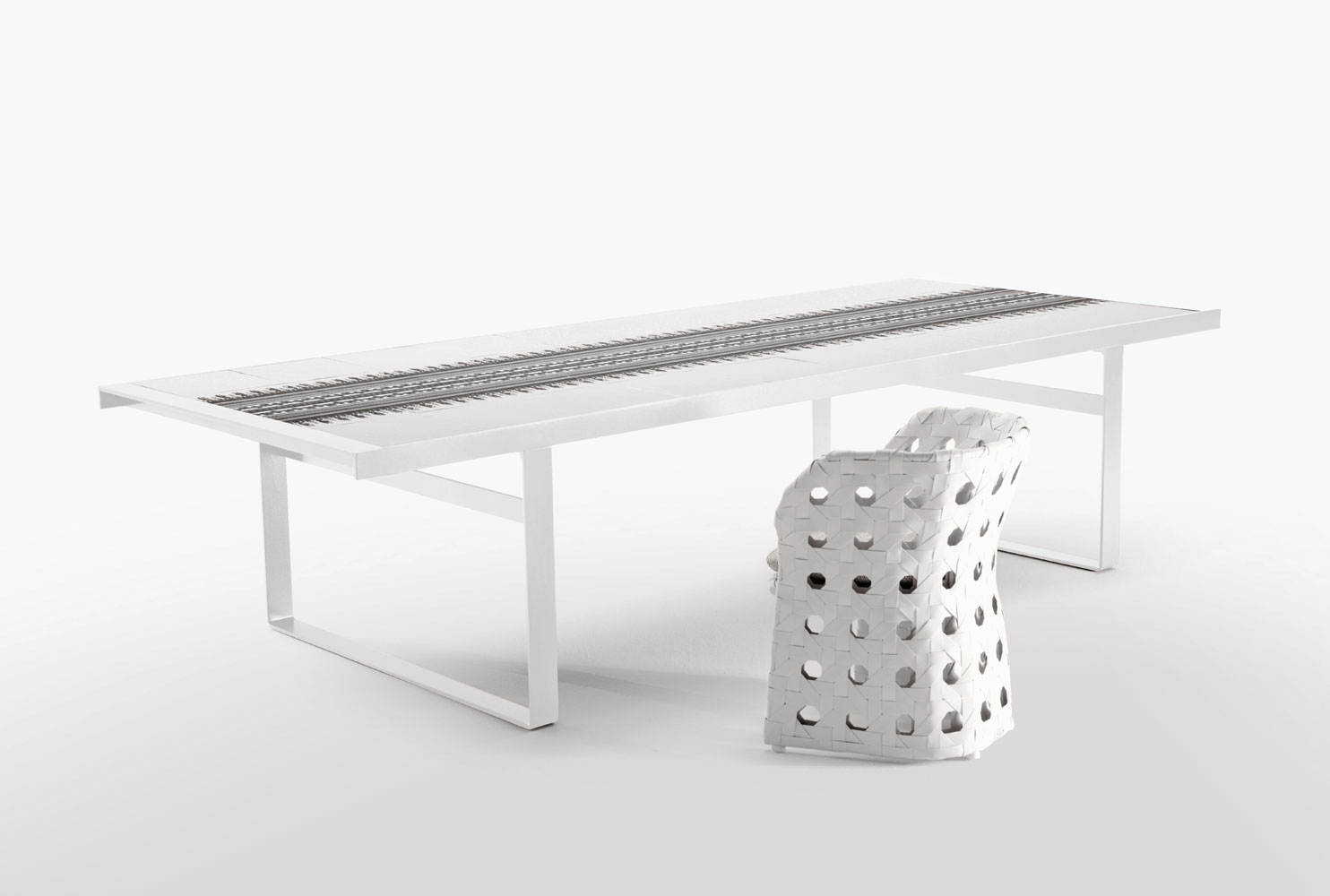 B b italia outdoor canasta dining table buy from for B b outdoor