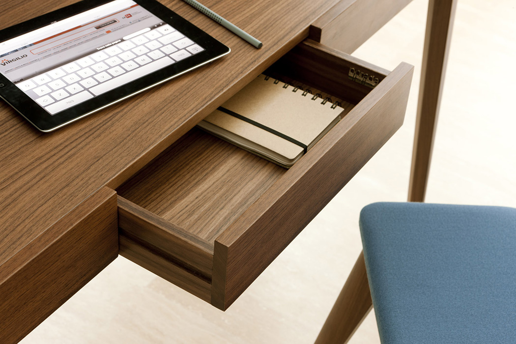 Porada Saffo Writing Desk